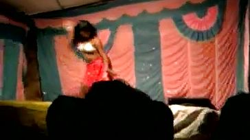 Desi Bhabhi Dances bare on Stage in public