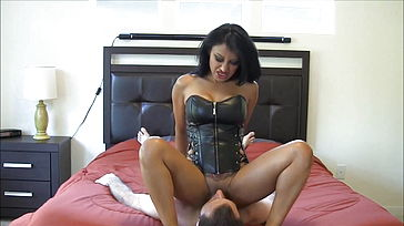 Luxurious Indian Dominatrix