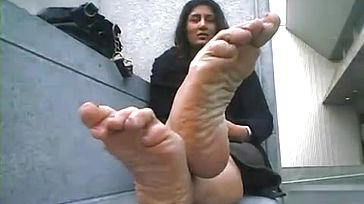 Greater Amount stink indian Feet