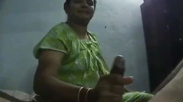 Hottest Greasy Hj Indian Desi aunty wifey