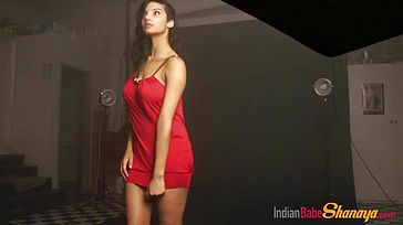 Perfect Solo Indian Babe Shanaya Displays Off Steamy Bod