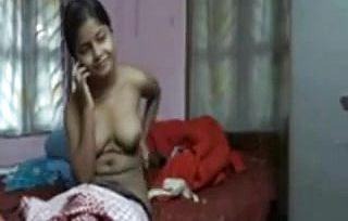 Bangla Dame unveiling herself To Beau on Web cam