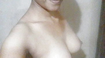 Indian wifey revealing naked