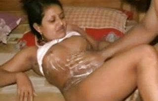 Cute North Indian Auntys Intercourse gauze with Mature GUY-I