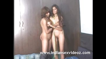 Super hot Indian Teenage Deep throating Their Congenital Breasts