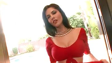 Sunny Leoni Taunting in crimson Saree - greatest clip in HINDI