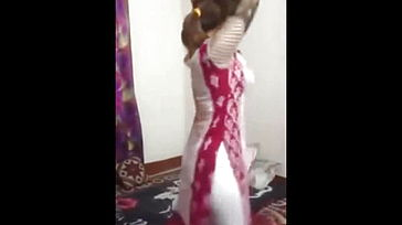 Bangladeshi super fucking hot chick arabian dancing